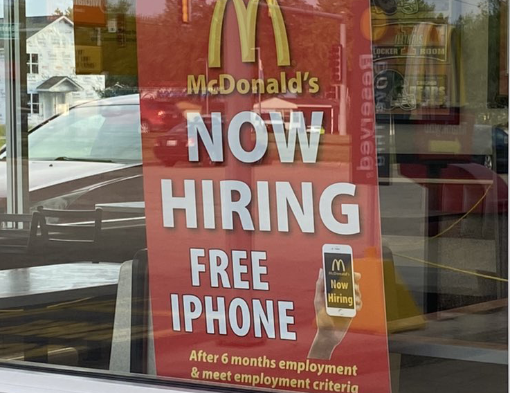 Restaurants Face Hiring Crisis as They Open to Full Capacity